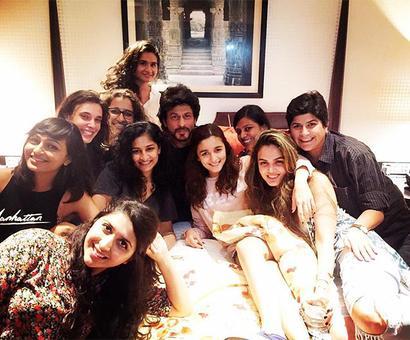 Shah Rukh wraps up Gauri Shinde's film