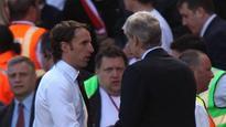 12:21Arsenal boss Arsene Wenger keeps quiet on England job offer talk
