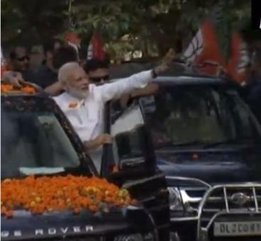 Modi holds roadshow in Bhubaneshwar