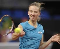 Mona Barthel advances to 3rd round at Aegon Classic