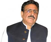 Raja Ashfaq visits residence of late Talha, condoles with family