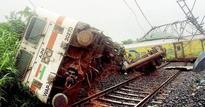 Goa-Mumbai Duronto engine derailed, no casualties