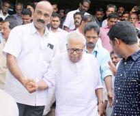 V S Achuthanandan seeks vote for Pinarayi Vijayan