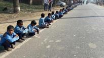 25 million join human chain for de-addiction; Bihar govt claims it is a world r...