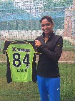 Harmanpreet first Indian to sign up for Australian Big Bash League