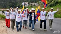 Colombia, rebels in talks to try to save peace process