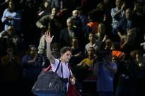 Goffin stuns Federer to reach London final