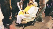 Raja and Maran by his side, Karunanidhi matches Jaya crowd for crowd in Trichy