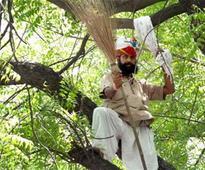 Farmer suicide at rally :Delhi Pol..