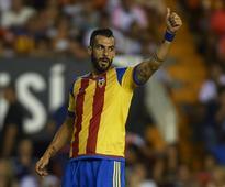 Around Europe: Napoli goalkeeper Pepe Reina is a 'wizard' and finally has reason to cheer