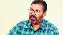 DG Vanzara gets hero's welcome in Gujarat