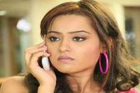 Vandana Singh, Shobhit Atray in Housewife Hai...