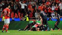 Vidal drives Bayern Munich to semifinals