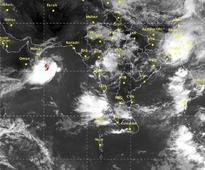 Cyclone Vardah wreaks havoc in Andaman; may cause temperatures to rise in Bengal