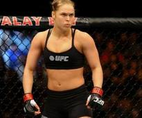 Rousey: Nunes needs 1st-round finish, 'everyone knows she gasses out'