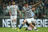 Juventus march on as Totti sets Roma hearts racing (AFP)