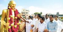 Gandhiji, Shastri remembered