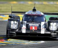 Webber leads Kobayashi at rain-hit Le Mans