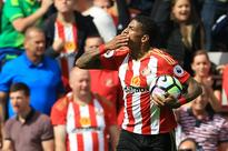 Sunderland's Van Aanholt withdrawn over heart tests