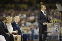 Kevin Costner pays tribute to Vin Scully with emotional speech at Dodger Stadium