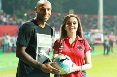 Henry keeps date with Kolkata