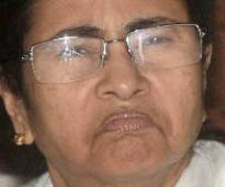 Mamata faces protests, loses cool during visit to Barasat rape victim