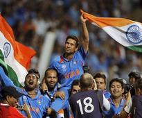Watch the video, when Sachin Tendulkar played gully cricket at midnight