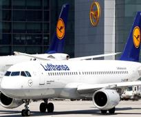 Lufthansa in talks to buy planes from Air Berlin - sources