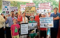DLF residents protest against water and power crises