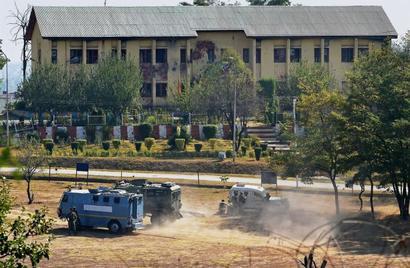 J-K attack ends, hunt on for 7 terrorists