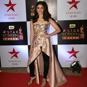 Alia Bhatt goes OFFBEAT with top and pants at Star Screen Awards 2016! Rate her fashion sense fab or drab?