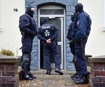 German police arrest five men for recruiting Islamic State members