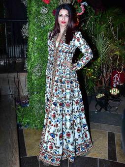 PIX: Aishwarya, Sonam, Karan Johar at a wedding