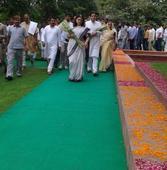 Gandhis remember Sanjay