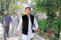 Akhilesh Yadav puts his foot down, calls off merger with Quami Ekta Dal
