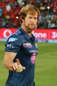 Mumbai Indians part ways with Rhodes for IPL-2018