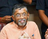 BJD protesters damage Union minister Santosh Gangwar's car at Bargarh