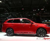 2016 Paris Motor Show: Updated Mitsubishi Outlander PHEW Revealed