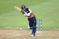 England hold nerve in thriller to make final