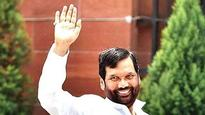 Gujarat elections 2017: BJP fields Ram Vilas Paswan for its 'Dalit outreach' to take on Jignesh Mevani