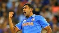 Muttiah Muralitharan hails R Ashwin; says he is a smart cricketer