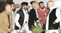 Kashmir Unrest: Yashwant Sinha-led team meets CM Mehbooba Mufti, traders