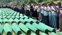 Bosnian police detian 8 Serbian war criminals for complicity in mass killing