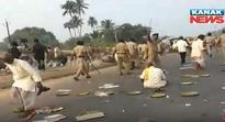 Police resorts to lathi charge on protesting farmers in Odisha