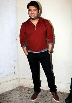 PIX: Kapil Sharma, Himesh watch Firangi