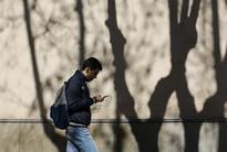 EU scraps telecom roaming time limit in effort to please public