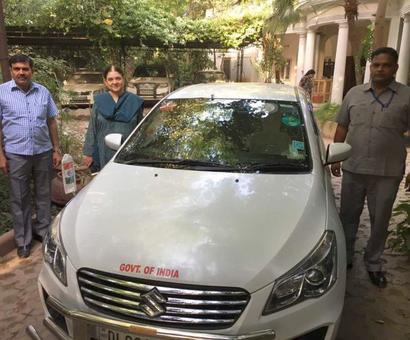 PHOTOS: Leaders remove lal batti voluntarily