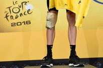 Crashes prove Tour not over, says Froome