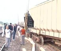 Two coaches of goods train derailed in Jhansi