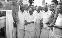 Developmen: A K Antony calls for consensus
